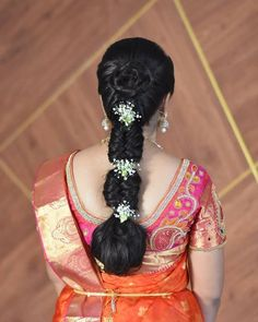 Indian Hairstyles For Saree, South Indian Wedding Hairstyles, Bridal Hairstyle Indian Wedding, Saree Hairstyles, Bridal Hair Buns, Bridal Hairdo, Braided Hairstyles For Wedding, Bride Hairstyles, Easy Hairstyles