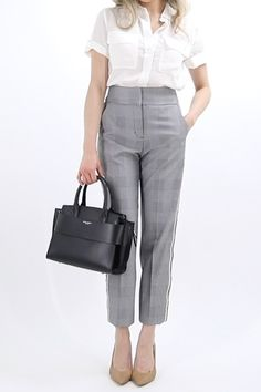 Outfits, summer work dresses, office attire women, summer work outfits of. Summer Office Attire, Office Attire Women, Work Attire, Smart Casual Women Office, Casual Office, Stylish Office, Office Wear For Women, Office Ootd, Corporate Attire Women