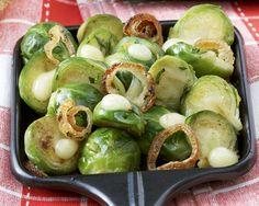 Raclette mit Rosenkohl | Zeit: 15 Min. | http://eatsmarter.de/rezepte/raclette-mit-rosenkohl-1