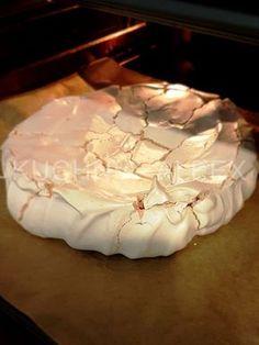 Pear cake with chocolate sauce - HQ Recipes Pavlova, Polish Desserts, Polish Recipes, Sweet Desserts, Delicious Desserts, Yummy Food, Pear Recipes, Cake Recipes, Pear Cake