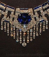 Marjorie Merriweather Post's exquisite diamond and sapphire Collar Necklace from #Cartier New York, 1937