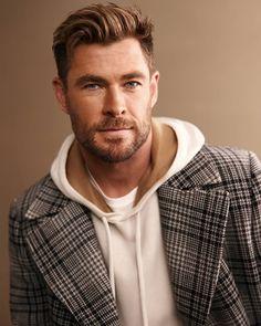 Thor, Hemsworth Brothers, Australian Actors, Dapper Men, Chris Hemsworth, Hugo Boss, Cute Boys, Teen Wolf, Uni