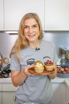Vegane Kürbis Muffins mit Birnen - Lufig und gesund backen - Mrs Flury Cupcakes, Halloween, Blog, Vegan Pumpkin, Vegan Cake, Vegan Baking, Healthy Desserts, Healthy Recipes, Cupcake Cakes