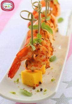Spicy Shrimp Tapas with Mango Recipe. Here's a shrimp tapas recipe where the fruity taste of mango blends with the spicy seasoning of shrimp. Tapas Recipes, Seafood Recipes, Appetizer Recipes, Cooking Recipes, Healthy Recipes, Appetizer Ideas, Tapas Ideas, Party Recipes, Holiday Recipes