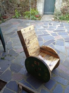 Pallet and Reel Armchair in pallet furniture pallet outdoor project  with pallet Chair Armchair