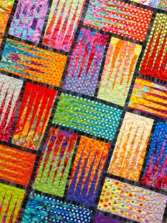 Judy Neimeyer pattern done in Kaffe fabric Bright Quilts, Colorful Quilts, Scrappy Quilts, Mini Quilts, Quilting Projects, Quilting Designs, Quilt Modernen, Textiles, Contemporary Quilts