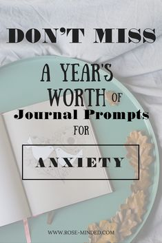 Mental health journal prompts for Anxiety & Stress relief! These prompts support mental well-being, using self-care, psychology, and signs and symptoms of anxiety and anxiety disorders. Check out the prompts! Mental Health Journal, Mental Health Matters, Good Mental Health, Mental Health Awareness, Anxiety Tips, Stress And Anxiety, Writing Therapy, Stress Relief Tips, Understanding Anxiety