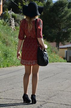 https://oneusefashion.wordpress.com/2015/04/24/boho-dress/