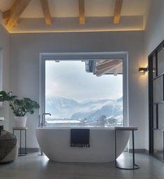 Home: Washroom Design Jahresrückblick 2017: Die 17 beliebtesten Wohnungsbilder und was sonst noch geschah | SoLebIch.de Foto: carinal_ #solebich #wohnen #wohnideen #dekoration #deko #einrichtung #dekoideen #einrichtungsideen #badezimmer #badewanne #freistehend #alpen #berge #natur #landhaus #modern