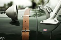 Always a nice combination; British Racing green and brown leather!