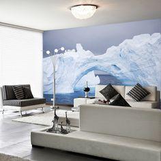 Interior decorado con Fotomural Standard MTB ARC OF ICE 97, imagen de gran arco de hielo y grandes icebergs encima de la superficie del mar.