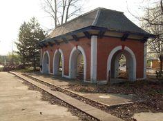 Geauga Lake ruins in Ohio. Geauga Lake Amusement Park, Ohio Amusement Parks, Abandoned Amusement Parks, Abandoned Castles, Abandoned Mansions, Abandoned Houses, Abandoned Places, Abandoned Theme Parks, Cuyahoga Falls