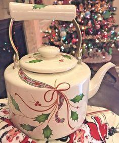 Xmas Tea Kettle Lenox Holiday Nouveau Tea Kettle Enamel Metal Teapot or Teakettle with Box Glass And Aluminium, Cast Iron Cookware, Christmas Items, Christmas Kitchen, Fun Cooking, Kettle, Tea Pots, Vintage Items, Xmas