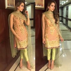 Alizeh Gabol looks chic in a and ensemble at a recent wedding in Karachi Pakistani Couture, Pakistani Outfits, Indian Outfits, Indian Attire, Indian Wear, Trajes Pakistani, Look 2017, Look Short, Desi Clothes