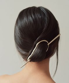 hand-cast white brass hairpiece, inspired by founding mono-ha artist, lee ufan – perfect for all hair types, especially jawline-length and beyond. post measures approximately 8 Face Shape Hairstyles, Straight Hairstyles, Braided Hairstyles, Cool Hairstyles, Undercut Hairstyles, Celebrity Hairstyles, Updo Casual, Mono Ha, Long Thin Hair