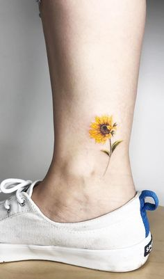 Literally Every Summer Tattoo You Never Knew You Needed Literally Every Summer Tattoo You Never Knew You Needed – TattooBlend More from my site 35 Cute Mini Tattoos This Summer 40 Tiny Tattoos That Are So This Summer 20 Dr. Tattoo Girls, Tiny Tattoos For Girls, Tattoo You, Small Tattoos, Paint Tattoo, Tattoos For Women Small, Mini Tattoos, Cute Tattoos, Body Art Tattoos
