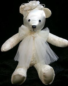 Creative recycle wedding dress ideas you can try 01 Wedding Dress Quilt, Old Wedding Dresses, Wedding Dress Crafts, Wedding Gowns, Recycled Wedding, Bear Wedding, Wedding Keepsakes, Bridal Portraits, Designer