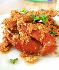 Singapore Chili Crab - The Cooking Jar Singapore Chili Crab Recipe, Chilli Crab Recipe, Crab Dishes, Seafood Dishes, Seafood Recipes, Blue Crab Recipes, Asian Recipes, Ethnic Recipes, Chinese Recipes