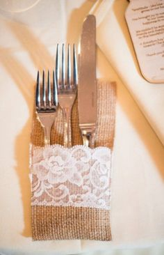 Burlap Wedding Table for #Rustic Wedding ... Wedding ideas for brides, grooms, parents & planners ... https://itunes.apple.com/us/app/the-gold-wedding-planner/id498112599?ls=1=8 … plus how to organise an entire wedding, without overspending ♥ The Gold Wedding Planner iPhone App ♥