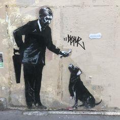 New works from Banksy in Paris – ZwartGoud – Graffiti World Banksy Graffiti, Street Art Banksy, Arte Banksy, Banksy Work, Graffiti Tattoo, Bansky, Banksy Stencil, Urbane Kunst, Political Art