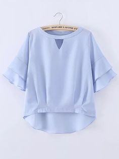 SheIn offers Layered Bell Sleeve High Low Top & more to fit your fashionable needs. Lehenga Designs, Kurta Designs, Blouse Designs, Teen Fashion Outfits, Mode Outfits, Cotton Tops For Jeans, Via Appia Due, Blouses For Women, T Shirts For Women