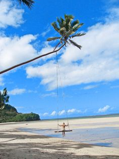 Schaukeln im Paradies (Fiji) #fiji #fidchi #schaukeln #paradies #schaukelimparadies #traumstrand #traumland #traumlandschaft #strand #urlaubsparadies #entspannung #enjoylife