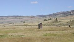 Wonder if Lonely outhouses appear in sit/squat app? Septic System, Big Garden, Ghost Towns, Amazing Architecture, Nice View, Lonely, Paths, Abandoned