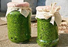 Pesto z libečku Clean Recipes, Snack Recipes, Cooking Recipes, Healthy Recipes, Cooking Tips, Vegetarian Dinners, Vegetarian Recipes, Pesto Dip, Home Canning