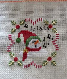 Bordados da Rita: Snowman Fa La La from Plum Pudding Needleart Santa Cross Stitch, Cross Stitch Borders, Cross Stitch Flowers, Cross Stitch Designs, Cross Stitching, Cross Stitch Patterns, Cross Stitch Christmas Ornaments, Christmas Tree Pattern, Christmas Embroidery