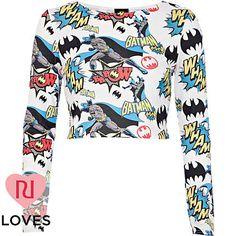 White Batman comic print crop top - crop tops / bralets / bandeau tops - tops - women- yes please! Crop Shirt, Sweater Shirt, Geek Fashion, Fashion Outfits, Superhero Fashion, Urban Fashion, Long Sleeve Crop Top, Long Sleeve Shirts, Cropped Top