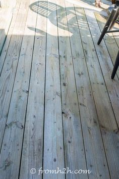 Looking for an easy and inexpensive way to wash your deck? This DIY deck cleaner is the best homemade deck wash recipe I have found. It will make your deck look brand new again and it's non toxic. Deck Brush, Homemade Bleach, Deck Cleaner, Deck Makeover, Natural Air Freshener, Cleaning Solutions, Cleaning Hacks, Diy Deck, Deck Patio