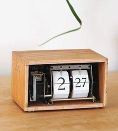 Vintage Recipe Box Flip Clock by BoxtClox