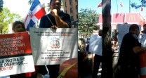 Dominicanos Se Enfrentan Por Haitianos En Plaza Juan Pablo Duarte De Nueva York