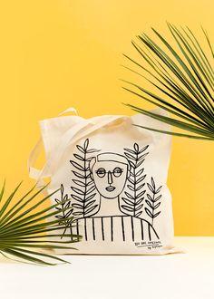 Girl Tote bag with original illustration by Depeapa. (aka Verónica de Arriba)