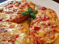 Pizzabrötchen, ein beliebtes Rezept mit Bild aus der Kategorie Brotspeise. 46 Bewertungen: Ø 4,1. Tags: Brotspeise, einfach, Kinder, Party, Resteverwertung, Schnell, Snack, Überbacken