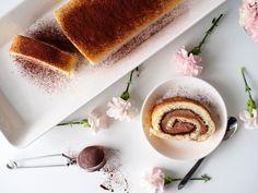 Kääretorttu – jokainen meistä on tehnyt sen jo kotitaloustunnilla. 90-luvun lapset muistavat sen myös hyvin kahvipöydästä. Tämä retroherkku tekee uuden aluevaltauksen tänä keväänä. Itse en ole lapsuuden jälkeen montaa kääretorttua leiponut – no tänä vuonna se asia muuttuu. Kääretortun leipominen on yksinkertaista ja helppoa. Kääretortun onnistuminen vaatii vain pari muistettavaa juttua: 1. vatkaa munat ja … Panna Cotta, Sweets, Baking, Breakfast, Ethnic Recipes, Food, Sweet Pastries, Dulce De Leche, Meal
