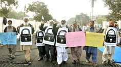 Mqm Holds Protest At Mazar E Qaid To Lift Ban On Altaf Hussain's Speech
