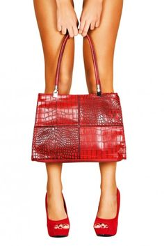 Tips for Buying Cheap HandbagsPosted on July 20, 2013 by JaimeeYou can match the color of your dress with cheap handbags made of beads of similar color. Going outdoors with handbags, lower your shoulder stress. In more recent times, cheap Muiccia Prada handbags, Mario's granddaughter has ensured tha...