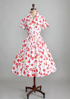Vintage 1950s Field of Poppies Floral Shirtwaist Dress