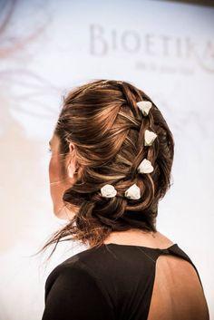 Dai un occhiata alle nostre offerte... visita il nostro sito: http://stefab.wix.com/parrucchierecaosroma#!offerte-e-cura-capelli/cxyu