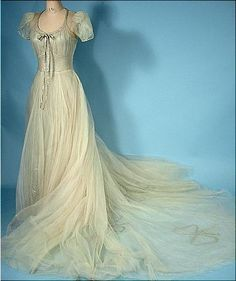 December 1938 Wedding Gown of Silver Lame and Ecru Netting with Lillies-of-the-Valley Headpiece! Worn by Betsy Canfield Rorty born August 1916 Vintage Gowns, Vintage Bridal, Vintage Outfits, Vintage Fashion, Retro Vintage, Vintage Clothing, Victorian Outfits, 1930s Fashion, Bridal Gowns