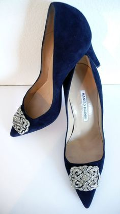 ~~ NAVY BLUE ~~ MANOLO BLAHNIK ~~ PRETTY ~~