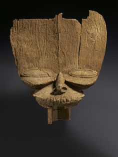 The Face of Dynasty: Royal Crests from Western Cameroon on view at The Met - Alain. African Masks, African Art, Fluid Design, African Sculptures, Maker Culture, Art Africain, Masks Art, Ancient Artifacts, Sewing Projects For Beginners