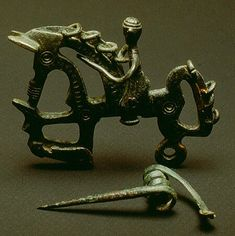 Fibula celtíbera of horse with rider. Celtic Culture, Medieval World, Roman Art, Anglo Saxon, Ancient Artifacts, Moorish, Bronze Age, Barbarian, Ancient Civilizations