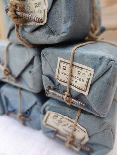 ☆Faded blue cloth wrapping, twine, crusty labels and a screw.