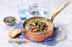 Denne suppen er rask og enkel å lage. Hvorfor ikke ta oppmålte ingredienser med ut i skogen og koke den på primusen?