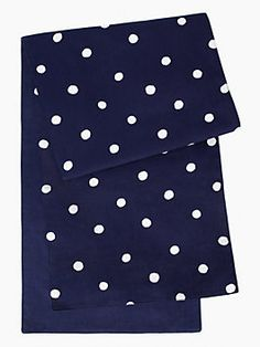 with its painterly dots in navy and cream, our charlotte street collection of linens defines simple elegance for the table. mix and match the sophisticated patterns to make a stylish statement at your next alfresco barbeque.