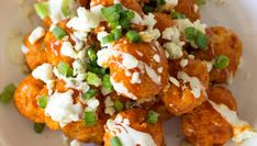 Buffalo Chicken Meatballs with a drizzle of blue cheese dressing is a zesty and flavorful appetizer to serve on game day. Popular Appetizers, Finger Food Appetizers, Appetizer Recipes, Yummy Appetizers, Finger Foods, Baked Camembert Bread, Cooking Recipes, Healthy Recipes, Keto Recipes