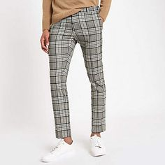 Shop our new Grey tartan check super skinny smart trousers at River Island today. Checked Trousers Outfit, Plaid Pants, Pants Outfit, Men's Pants, Trouser Outfits, Mens Slacks, Men Trousers, Super Skinny, Skinny Fit