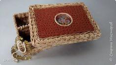 Поделка изделие Плетение Шкатулки короба под вязание и конфетница Бумага газетная Трубочки бумажные фото 9